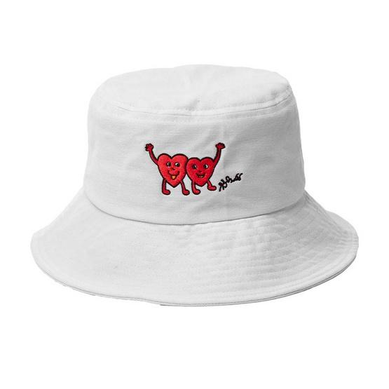 หมวก Bucket Hat ลายฝีพระหัตถ์ สีครีม