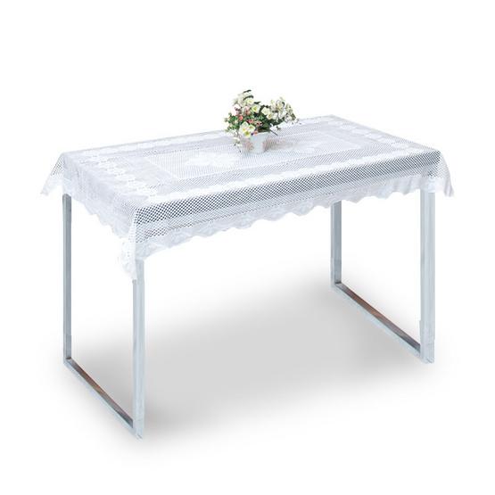 ผ้าปูโต๊ะ ลายดอกไม้ขาว