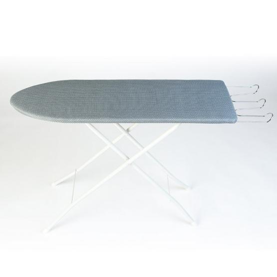 โต๊ะรีดผ้า 6 ระดับ พื้นเทาจุดขาว